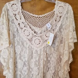 NWT Libian Batwing Blouse